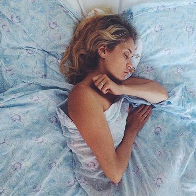 0000s 0000s 0000 Regola il ritmo sonno veglia